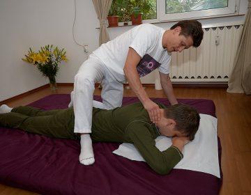 Yumeiho® Masajul Zonei Cervicale